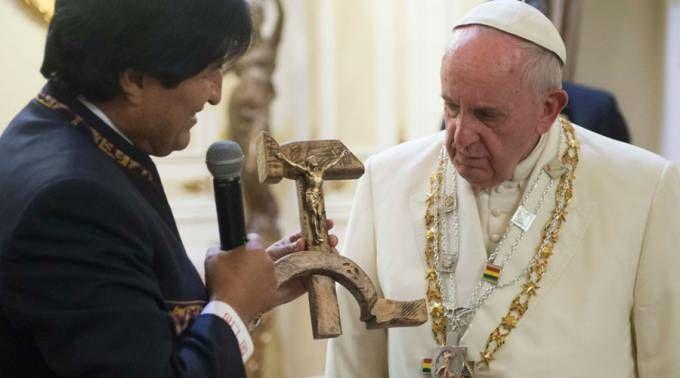 pope francis evo morales (communist crucifix)